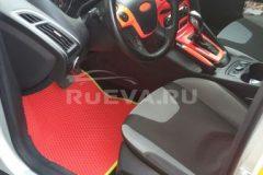 Ford_Focus_3_RuEVA_avtokovriki_1