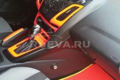 Ford_Focus_3_RuEVA_avtokovriki_5